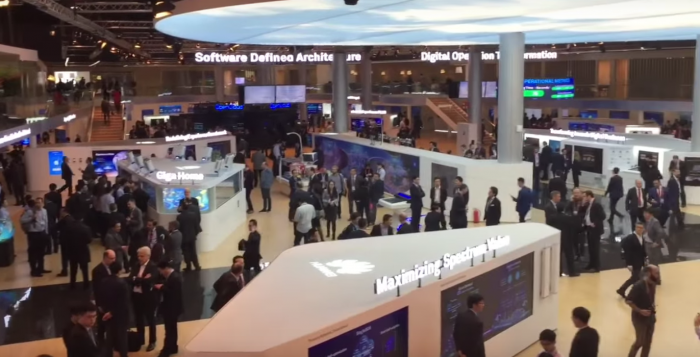 Nerd-special: Tour of the impressive MWC Huawei booth